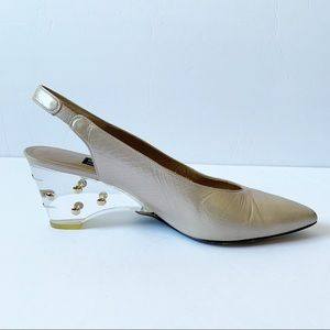 STUART WEITZMAN CREAM POINTY CLEAR HEEL
